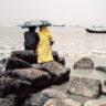 Bangladesh : couple sur la plage de Patenga